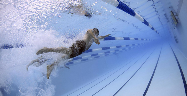 nadar corredor